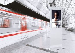 MonLines Design Display Stelen Digital Signage